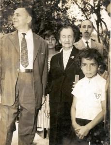 Julia-Kubitschek-inaugurando-escola